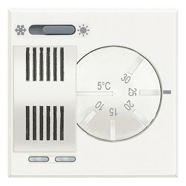 Bticino HD4442 Термостат комнатный со встроенным переключателем режимов «лето/зима», 2А Axolute Белый (HD4442) HD4442